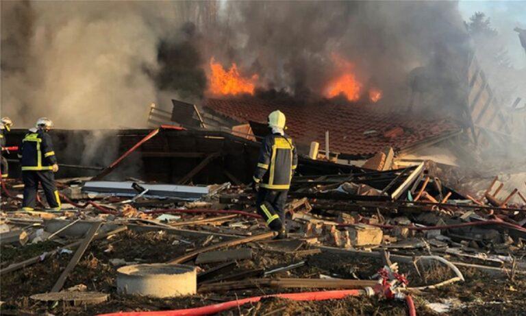 Καστοριά: Απίστευτη έκρηξη ισοπέδωσε ξενοδοχείο (vids)