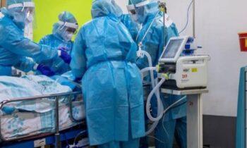 Κορονοϊός: 835 νέα κρούσματα της πανδημίας στη χώρα μας, ανακοίνωσε ο ΕΟΔΥ το τελευταίο 24ωρο. Παράλληλα 343 είναι οιδιασωληνωμένοι.