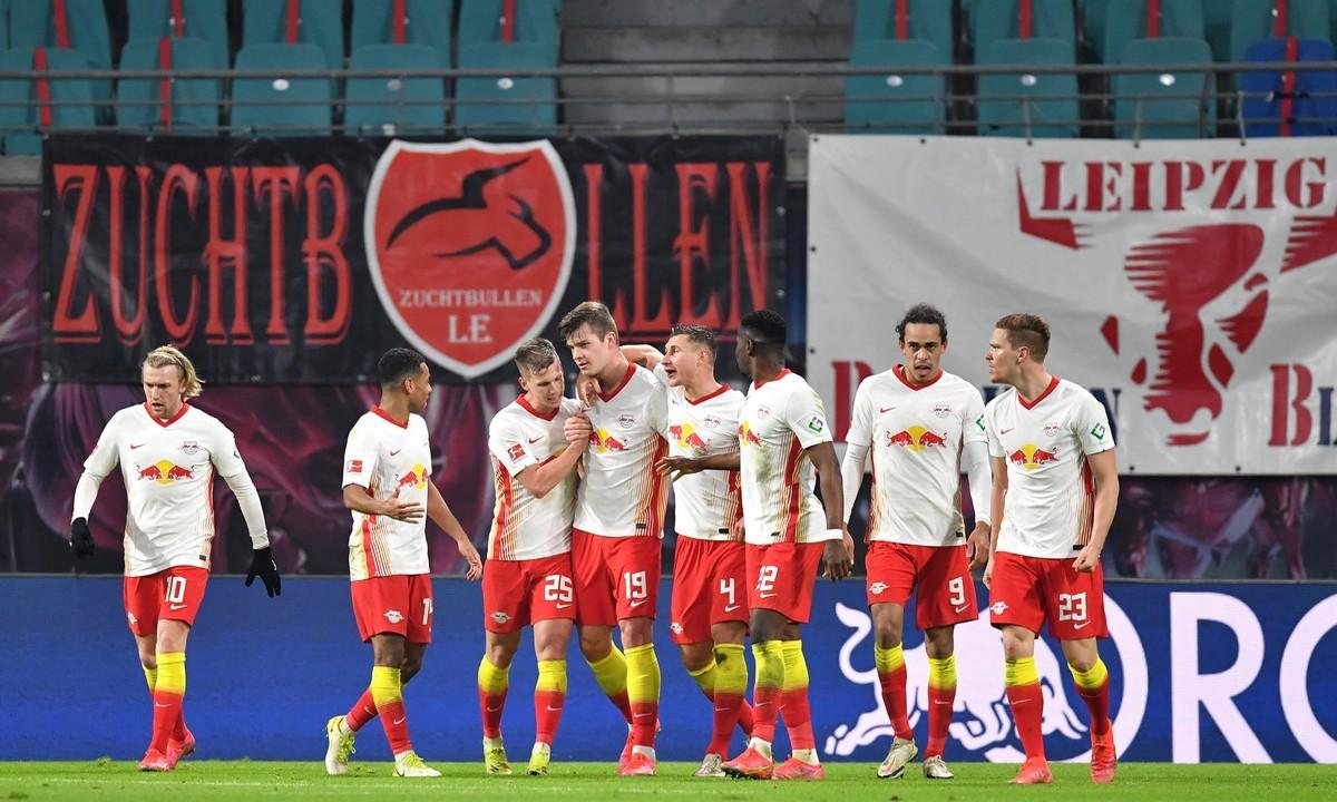 Τρέμε Μπάγερν! Η Λειψία έφτασε σε μία μεγάλη ανατροπή (3-2 την Γκλάντμπαχ), επανήλθε στο -2 και τίποτε δεν έχει κριθεί στη μάχη της Bundesliga.