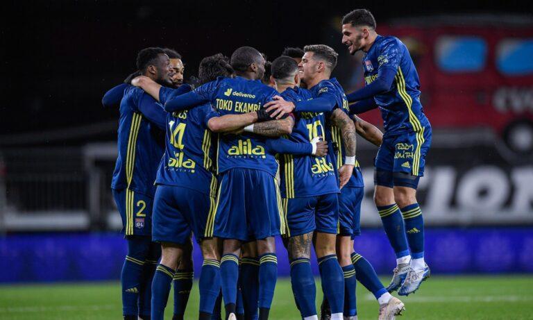 Σε ένα χορταστικό ματς με πέντε γκολ, η Λιόν επικράτησε 3-2 εκτός έδρας της Μπρεστ την Παρασκευή (19/2) και ανέβηκε στην κορυφή της Ligue 1.