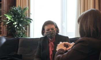 Γεραπετρίτης: «Άξια υπουργός η Μενδώνη, έχει επιτελέσει άριστα το έργο της»