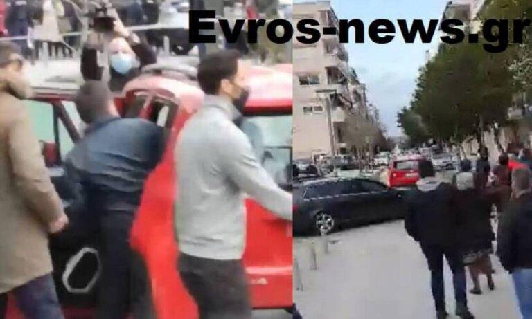 Μηταράκης: ΧΑΜΟΣ! Του πέταξαν αυγά και πέτρες στην Ορεστιάδα!