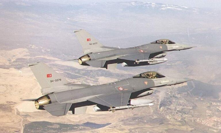Eλληνοτουρκικά: «Η Τουρκική Πολεμική Αεροπορία μπορεί να χρειαστεί να διατηρήσει το F-16 πολύ περισσότερο από ό, τι είχε προγραμματιστεί», τόνισε ο αναλυτής Paul Iddon.