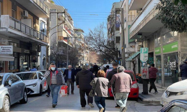 Λάρισα: Στους δρόμους οι πολίτες μετά τον ισχυρό σεισμό!