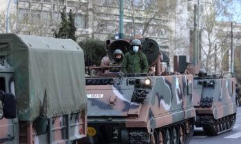 25 Μαρτίου - Ζωντανά η Στρατιωτική παρέλαση απο την Αθηνα