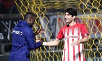 Ο Ανδρέας Μπουχαλάκης έγινε viral με το γκολ που έβαλε με τον ίδιο να δίνει την εξήγηση του για πιο λόγο έμεινε στο δοκάρι.