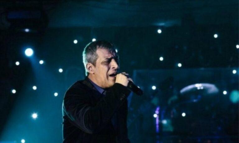 Lockdown – Αδαμαντίδης: Τραγούδησε στο κατάμεστο «Bella Vita Night Club» (vid)