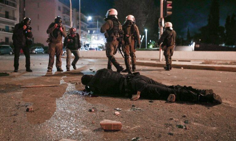 Νέα Σμύρνη επεισόδια: Ντοκουμέντα-σοκ για την επίθεση στον αστυνομικό: «Εντάξει τον σκοτώσαμε, πάμε να φύγουμε»