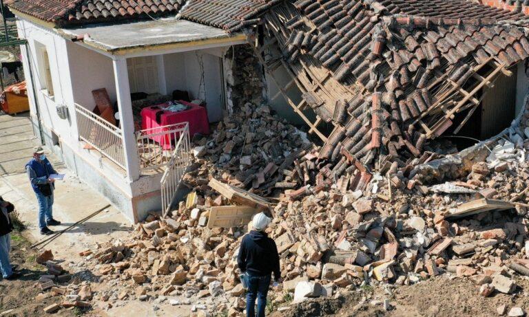 Σεισμός – Ελασσόνα:  H καθίζηση έφτασε τα 40 εκατοστά