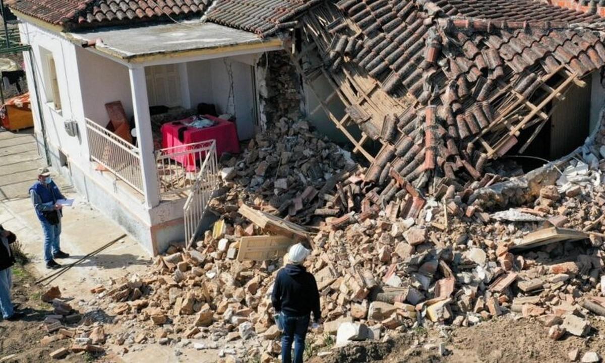 Σεισμός-Ελασσόνα: «Έφυγε» ηλικιωμένος που είχε απεγκλωβιστεί
