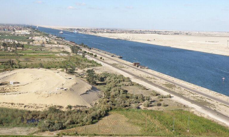 Διώρυγα Σουέζ: Έχει μπλοκάρει από Αιγυπτιακό πλοίο και οι ΗΠΑ στέλνουν ενισχύσεις!