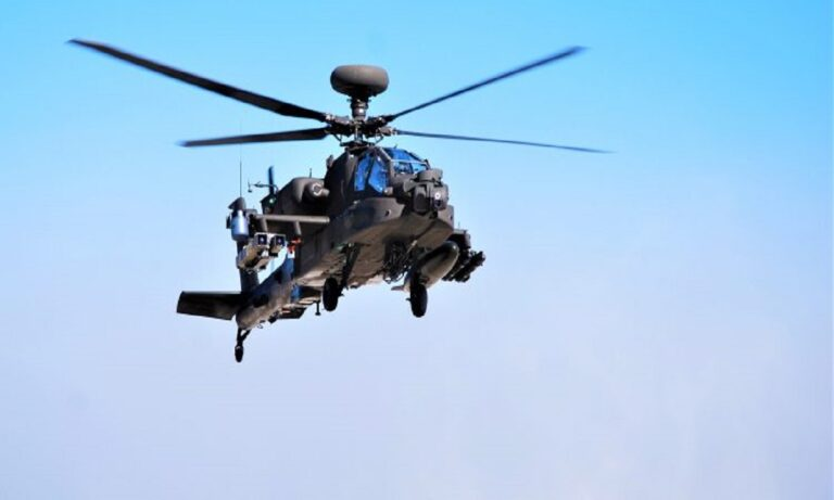 Eλληνοτουρκικά: Έβαλαν Spike πάνω σε Apache – Μήνυμα στην Άγκυρα