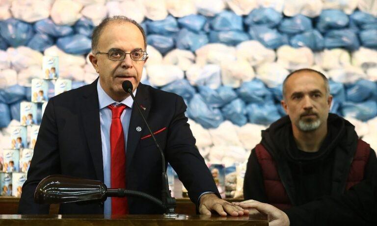 Με τη λέξη ντροπή χαρακτήρισε τις εκλογές της ΕΠΟ που έγιναν το Σάββατο (27/3) ο υπεύθυνος διεθνών σχέσεων της ΠΑΕ Ολυμπιακός Κώστας Βερνίκος.