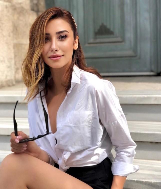 Masterchef: Η αλλαγή που σόκαρε στο τουρκικό παιχνίδι αφορούσε στην Zeynep Alikoç η οποία εμφανίστηκε στα social media άλλος άνθρωπος.