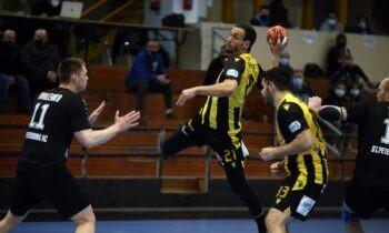 ΑΕΚ - Νέβα 29-27: «Κιτρινόμαυρη» πρόκριση στους «4» του EHF European Cup!