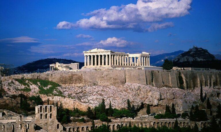 Ακρόπολη – Απίστευτες εικόνες: Τσιμέντο με μπαλώματα βράχου στο σπουδαιότερο μνημείο του κόσμου (pics)