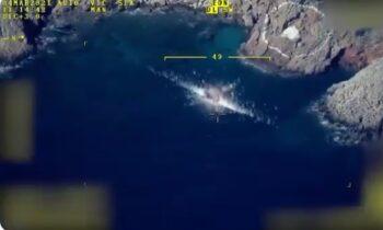 Bayraktar: Μήνυμα των Τούρκων για τα πλοία του ελληνικού Π.N. με βίντεο από βομβαρδισμούς των τουρκικών drones σε στόχους επιφανείας.