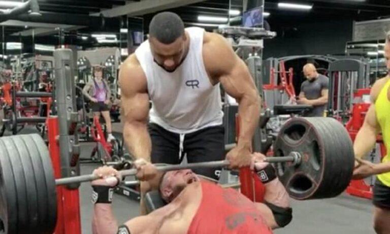 Aπίστευτο: Η στιγμή που «έσπασαν» οι μύες του στο γυμναστήριο (vid)