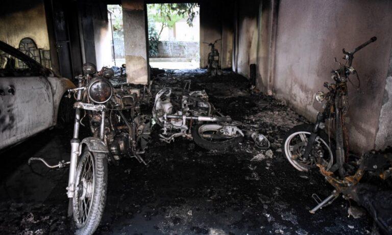 Θεσσαλονίκη: Σοκ από εμπρηστική επίθεση σε πολυκατοικία - Κάηκαν αυτοκίνητα και μηχανές!