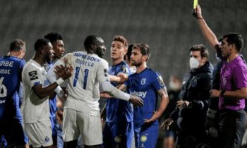 Ο Πορτογάλος διαιτητής του ΝΠΣ Βόλος - Ολυμπιακός, έχει προκαλέσει ουκ ολίγες φορές στην πατρίδα του με τις αποφάσεις του. Ο τραυματισμός του Νανού και το πέναλτι που «έπνιξε» στο Μπελενένσες - Πόρτο!
