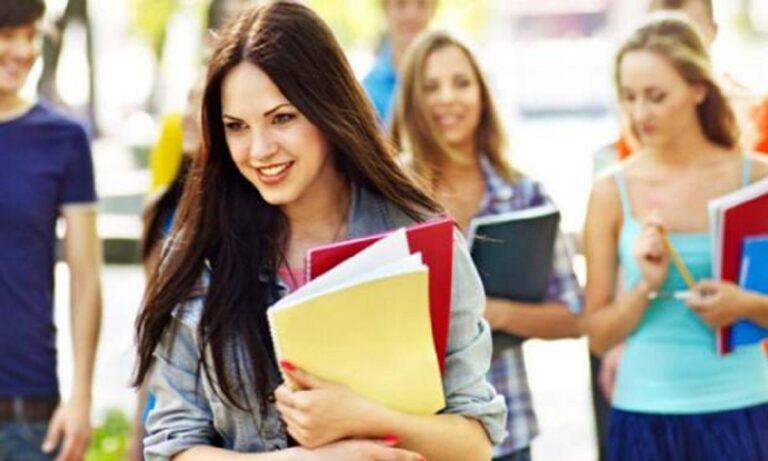 Αξιοπερίεργα: To 4% των Αγγλίδων φοιτητριών πληρώνει τις σπουδές του με σεξουαλική εργασία