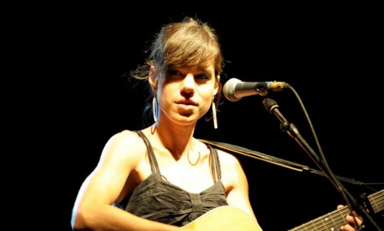 Με αφορμή την επέτειο των 200 χρόνων από την Ελληνική Επανάσταση, η Monika κυκλοφόρησε ένα νέο τραγούδι που είναι αφιερωμένο στην Ελλάδα.