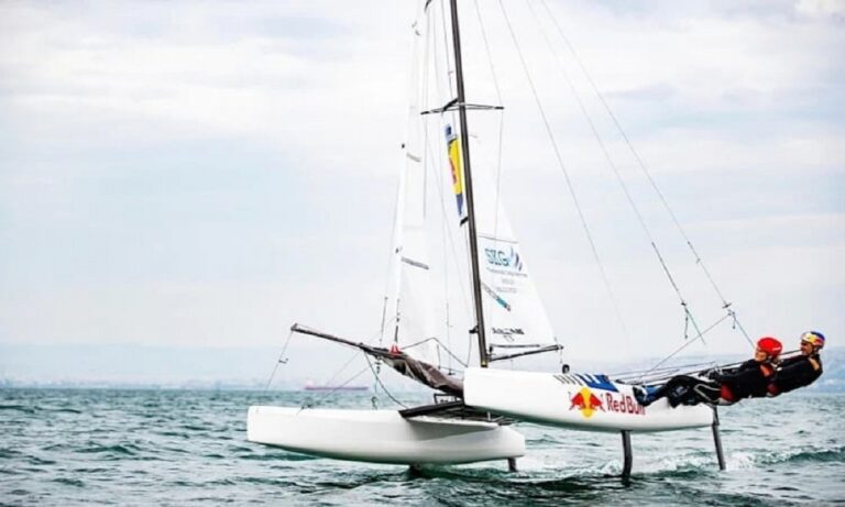 Μάχη των Πασχαλίδη - Παπαδοπούλου στα Nacra17 για πρόκριση στους Ολυμπιακούς αγώνες