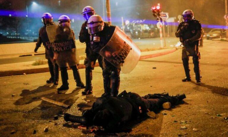 Νέα Σμύρνη: «Από θαύμα ζει» ο αστυνομικός που τραυματίστηκε…