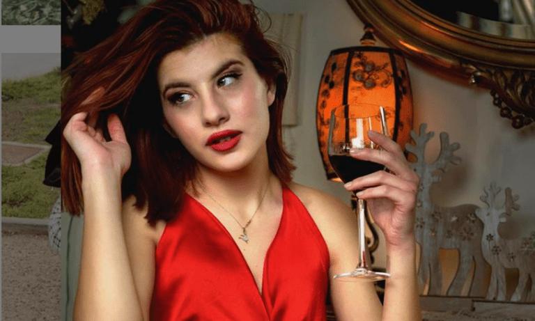 The Bachelor: Η Νικόλ δίνει…ρέστα με Θεοδωρίδου και Βαγγέλη Μαρινάκη (vids)