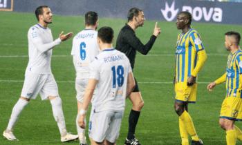 Παναιτωλικός - Λαμία: Την κόκκινη κάρτα του διαιτητή Κουτσιαύτη αντίκρισε ο Μάκης Μπελεβώνης για τα... γαλλικά στον Επασί!