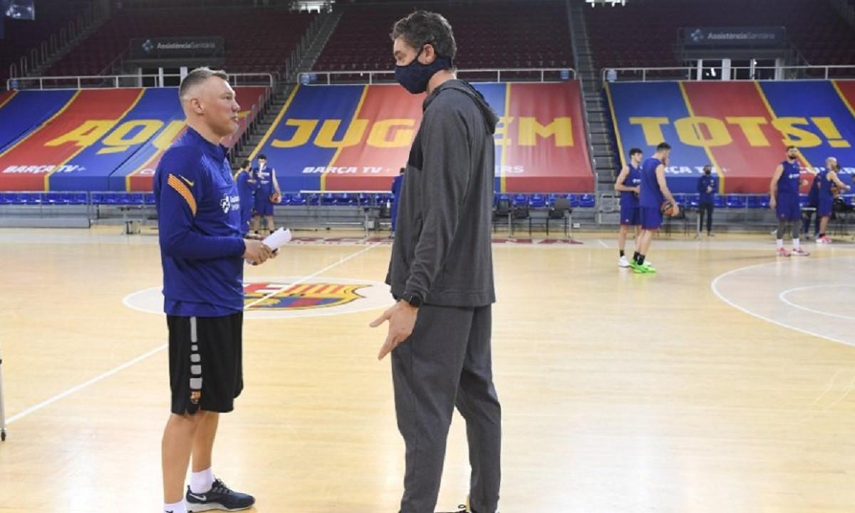 Την ευκαιρία να τα πει με τους νέους του συμπαίκτες στη Μπαρτσελόνα είχε την Παρασκευή (5/3) ο Πάου Γκασόλ που βρέθηκε στο «Palau Blaugrana».