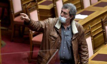 Ο Παύλος Πολάκης αποκάλεσε τον αντιπρόεδρο της Βουλής εκ της ΝΔ Χαράλαμπο Αθανασίου «ψεύτη» και ο τελευταίος ανταπάντησε, χαρακτηρίζοντάς τον «άσχετο».