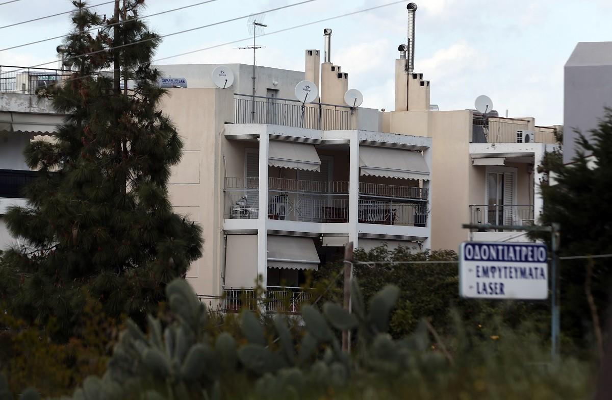 Γιώργος Καραϊβάζ: Σοκαρισμένη είναι ολόκληρη η Ελλάδα μετά το άκουσμα της είδησης ότι ο γνωστός δημοσιογράφος δολοφονήθηκε έξω από το σπίτι του.