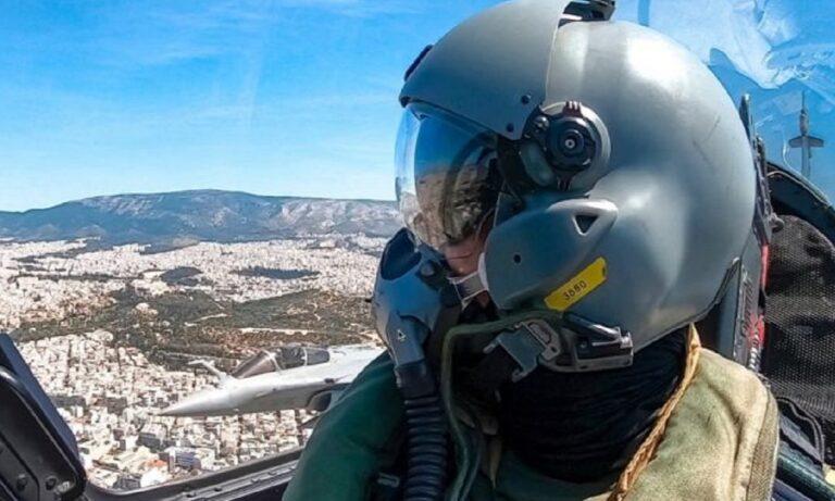 Ηνίοχος '21: Μαχητικά «σκίζουν» τον ουρανό της Αθήνας – Εντυπωσιακές εικόνες (vids+pics)