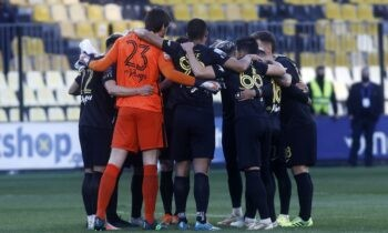 Άρης: «Σκασμένοι» είναι από χθες (21/4) άπαντες οι «κιτρινόμαυροι», μετά την ήττα με 1-0 από τον ΠΑΟΚ στο ντέρμπι του «Κλεάνθης Βικελίδης».