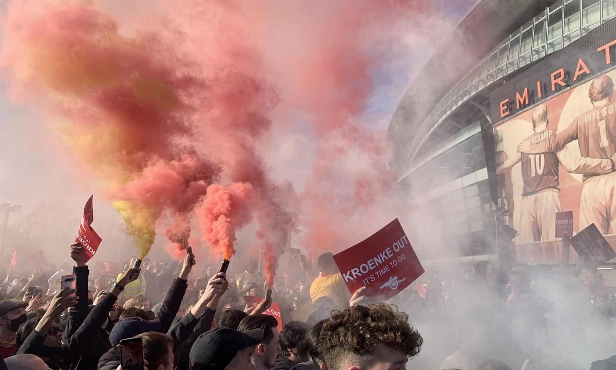 Άρσεναλ – Χαμός: Ξεσηκωμός οπαδών κατά της διοίκησης για τη European Super League (pics+vids)