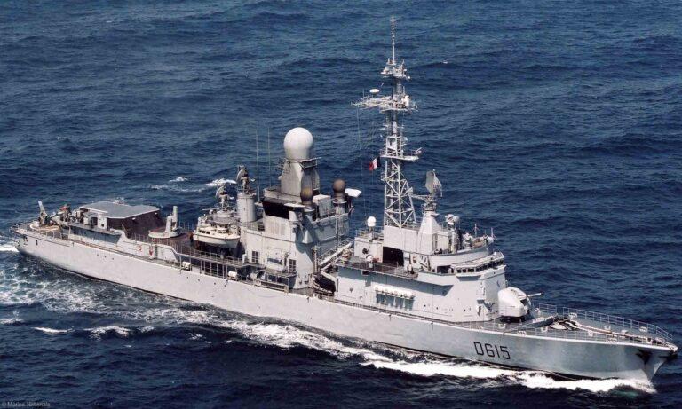Φρεγάτες: Οι Γάλλοι έβγαλαν πάνοπλη την Jean Bart για επίδειξη στους Έλληνες ναυάρχους