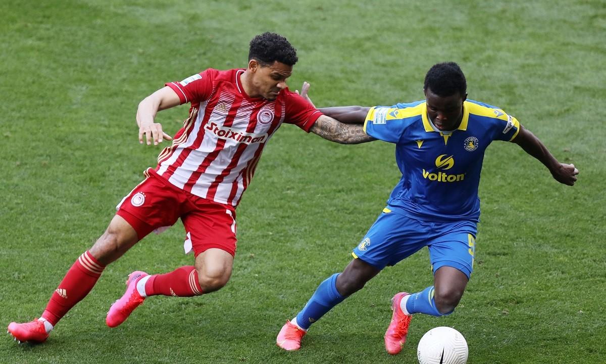 Ο Κένι Λαλά γύρισε στο βασικό σχήμα αλλά δεν κατάφερε να ολοκληρώσει το ματς, ενώ τραυματισμό αποκόμισε και ο Αβραάμ Παπαδόπουλος.
