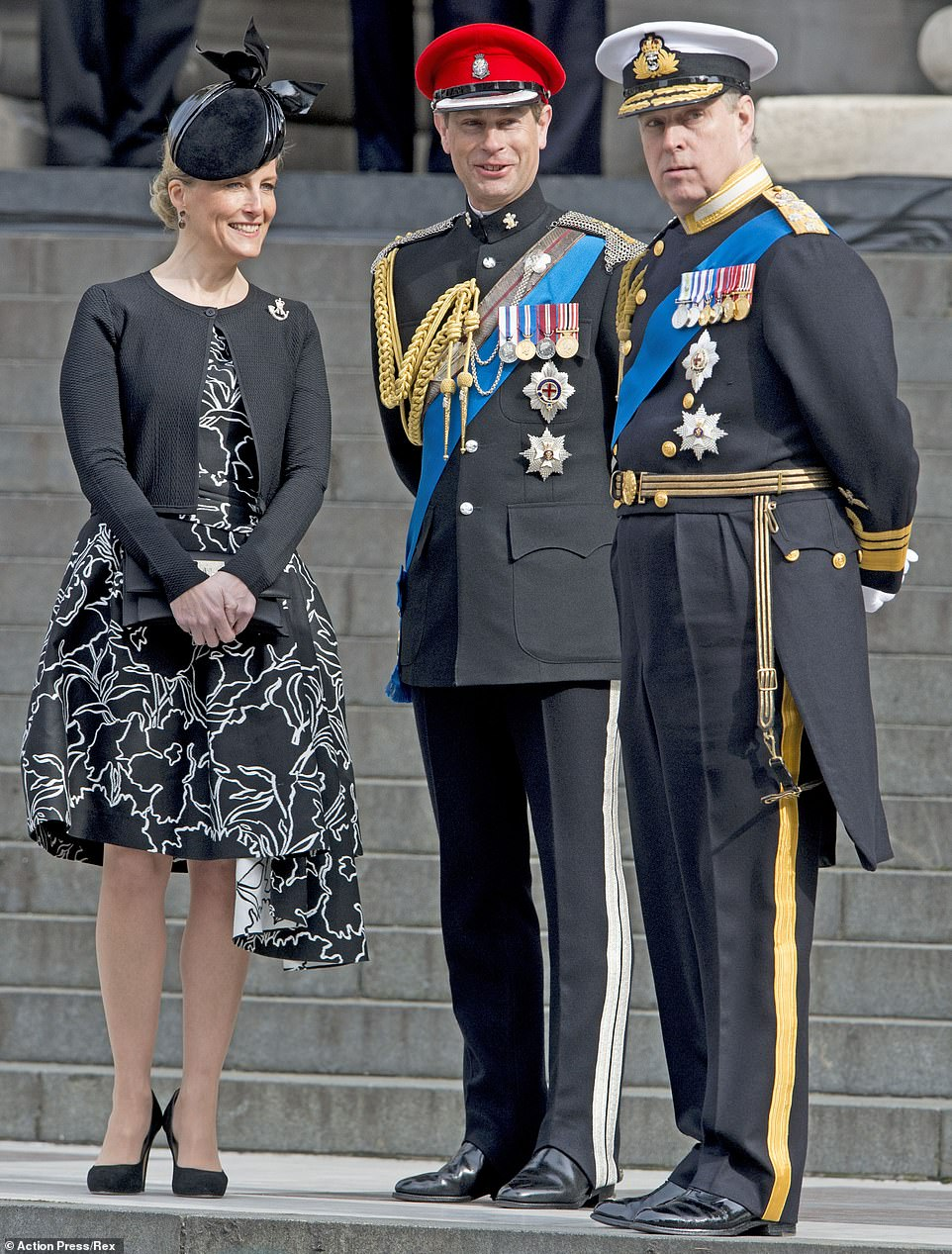 Η κόμμησα του Γουέσεξ μαζί με τον Πρίγκιπα Εδουάρδο και τον αδελφό του Πρίγκιπα Ανδρέα