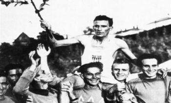 Στέλιος Κυριακίδης: Ο άνθρωπος που έτρεξε για να χορτάσει επτά εκατ. Έλληνες - «Ήρθα να τρέξω για επτά εκατομμύρια πεινασμένους Ελληνες»