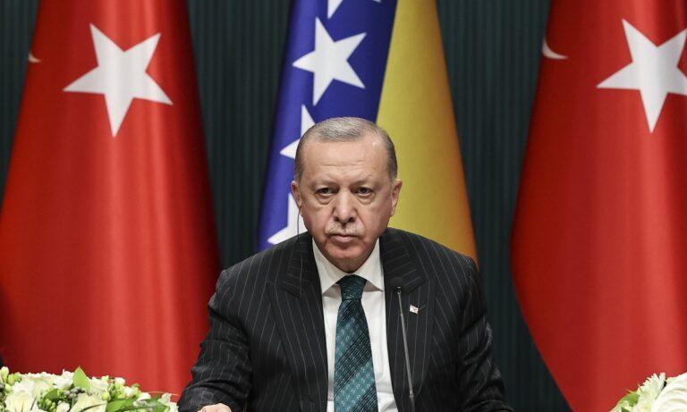 Τουρκία: Απίστευτη παραδοχή  – Ο Ερντογάν υπαγορεύει στους δικαστές τι να κάνουν