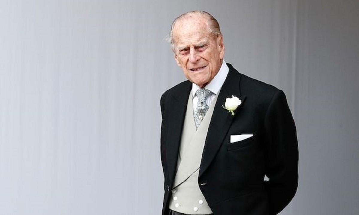 Πρίγκιπας Φίλιππος: Θα μείνει άταφος μέχρι να πεθάνει η βασίλισσα Ελισάβετ!