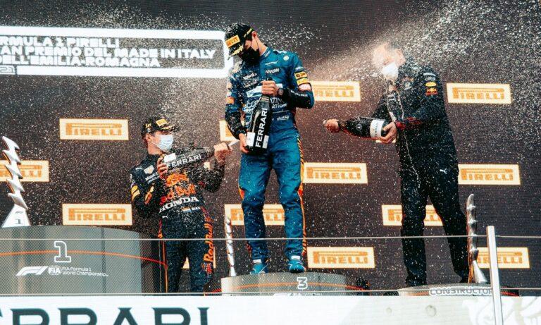GP Ιταλίας: Ο Μαξ Φερστάπεν ήταν ο μεγάλος νικητής στο επεισοδιακό Γκραν Πρι Ιταλίας, με δεύτερο τον Λιούις Χάμιλτον.