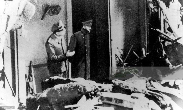 Σαν σήμερα στις 30 Απριλίου 1945 ο Αδόλφος Χίτλερ και η Εύα Μπράουν αυτοκτονούν με δηλητήριο, μία μέρα μετά το γάμο τους.