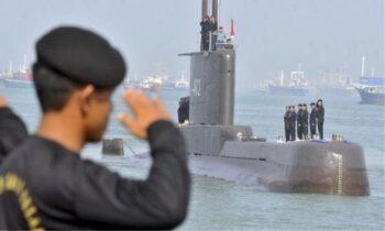 Ινδονησία: Συγκλονιστικό βίντεο με το πλήρωμα του υποβρυχίου να τραγουδάει λίγο πριν βυθιστεί! (vid)