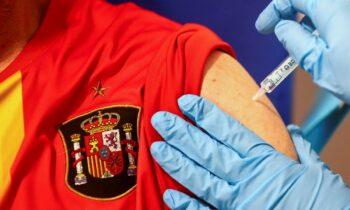 Ισπανία: Η έλλειψη εμβολίων κατά του κορονοϊού ενδέχεται να αναγκάσει την περιφέρεια της Μαδρίτης να κλείσει τα κέντρα μαζικών εμβολιασμών.