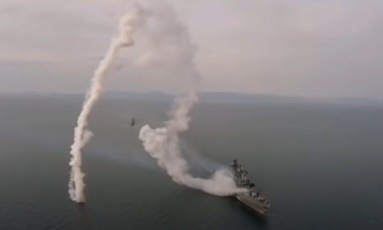 Επικό fail των Ρώσων με εκτόξευση πυραύλου Kalibr από πλοίο - Εμφανώς κάτι δεν πήγε καθόλου καλά με τον ρωσικό πύραυλο