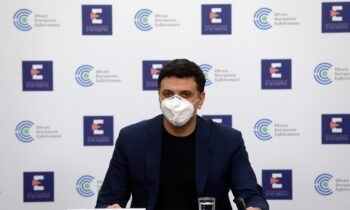 Κικίλιας: Η εξήγησή του για την αναστολή ανοίγματος του λιανεμπορίου στις τρεις περιοχές