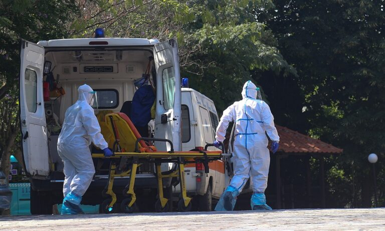 Π.Ο.Υ. – Κορονοϊός: Μεγαλύτερος από ποτέ ο κίνδυνος των μολύνσεων