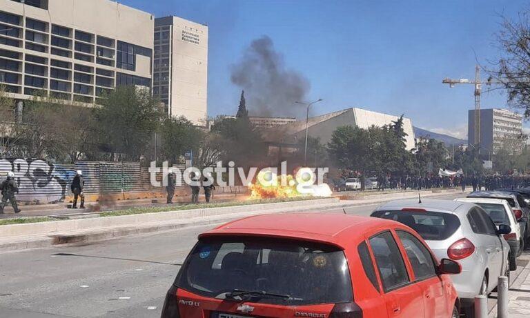 Θεσσαλονίκη: Επεισόδια με αντιεξουσιαστές και ΜΑΤ – Έπεσαν μολότοφ στο κέντρο της πόλης